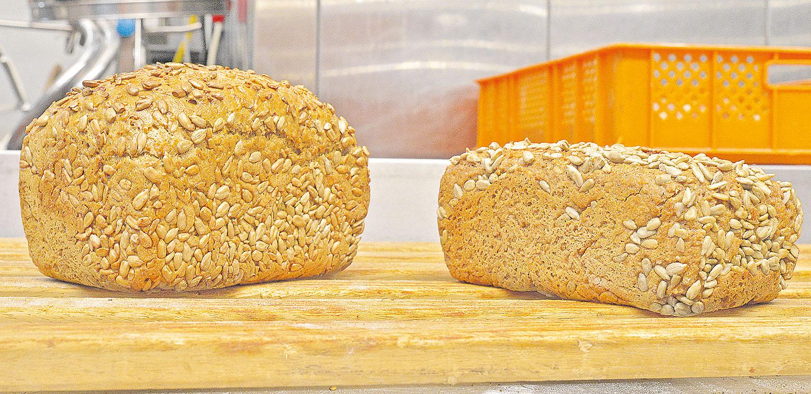 """Schon optisch wird deutlich:  Mit dem """"Dinkelprinzen"""" des echten Bäckers (links) ist das Brot aus der Backmischung überhaupt nicht vergleichbar."""